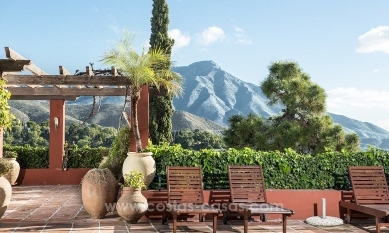 Classical country style villa for sale in El Madroñal, Benahavis - Marbella 11