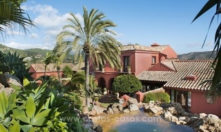 Classical country style villa for sale in El Madroñal, Benahavis - Marbella 19