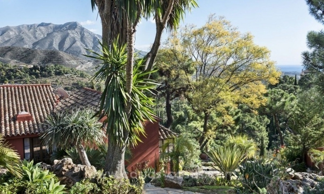 Classical country style villa for sale in El Madroñal, Benahavis - Marbella 22