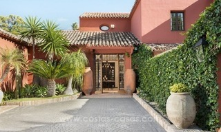 Classical country style villa for sale in El Madroñal, Benahavis - Marbella 23