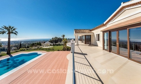 Exclusive Modern - Andalusian villa for sale in Marbella - Benahavis