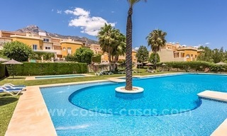 Bargain townhouses for sale on the Golden Mile in Marbella 30