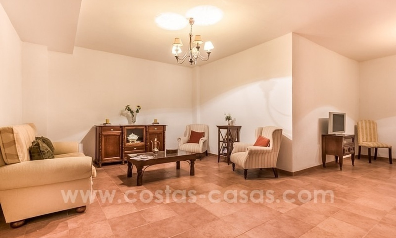 Bargain townhouses for sale on the Golden Mile in Marbella 44