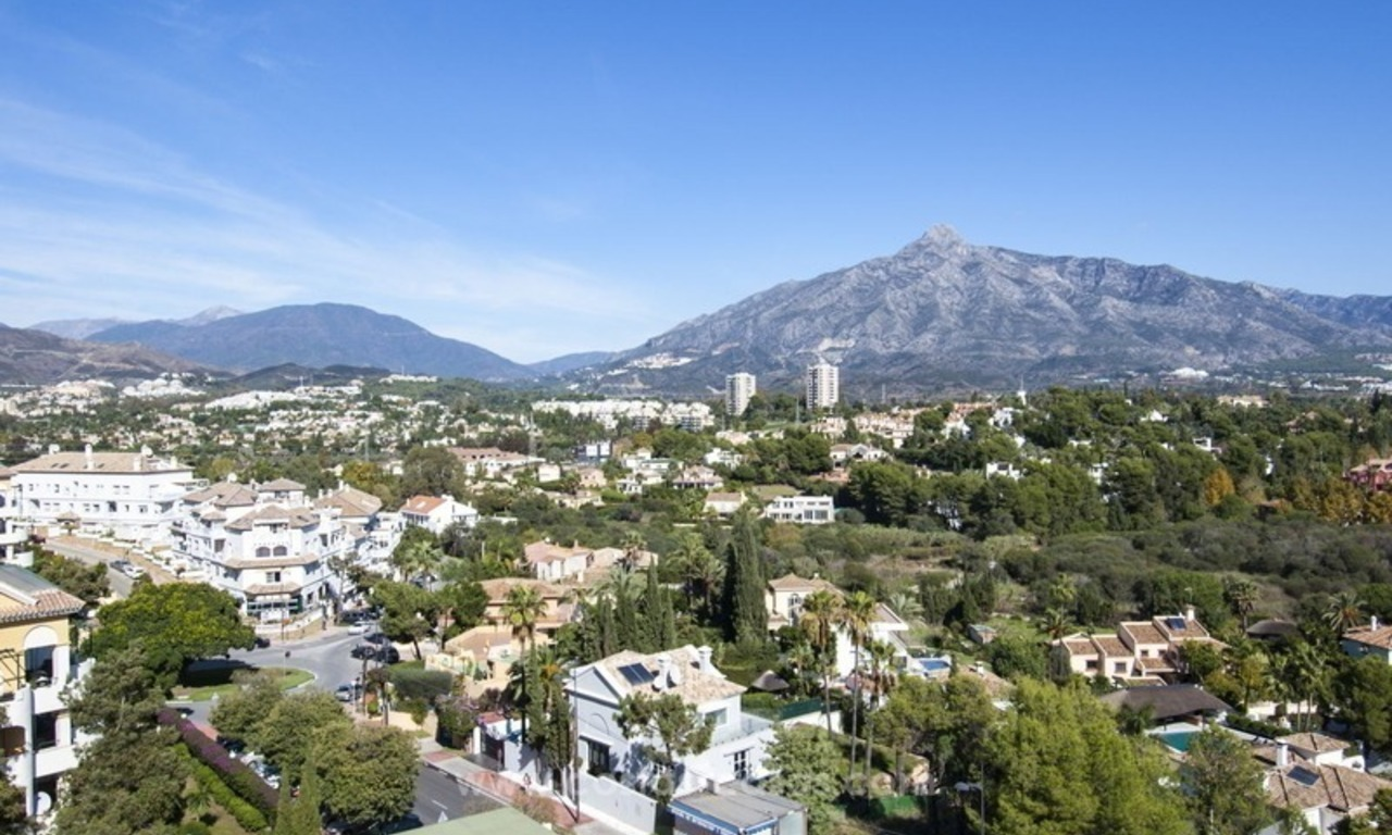 Spacious apartment for sale in a great location in Nueva Andalucia in Marbella, close to Puerto Banus 3