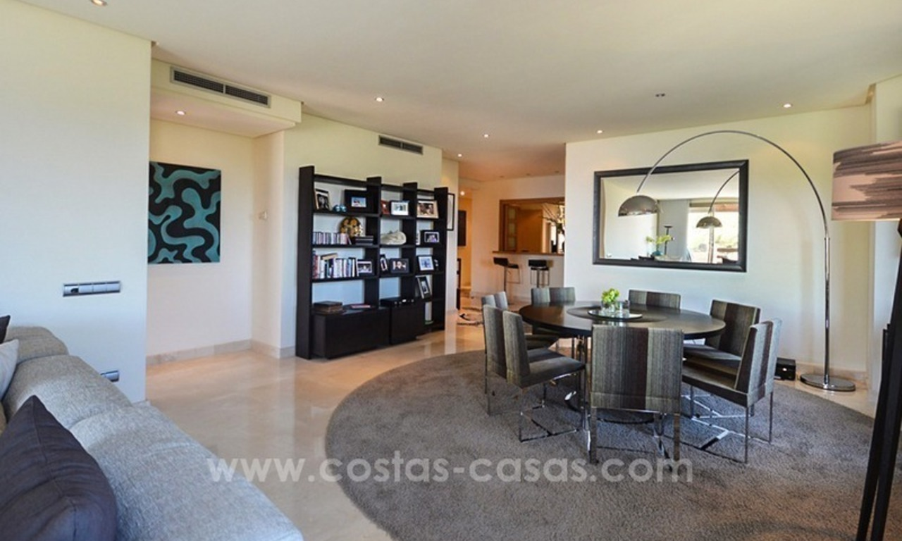 Excellent penthouse for sale on the Golden Mile, Marbella 10