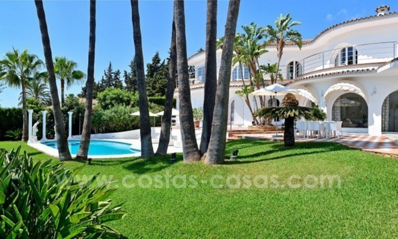 Stylish villa in perfect condition for sale on the Golden Mile, Marbella 2
