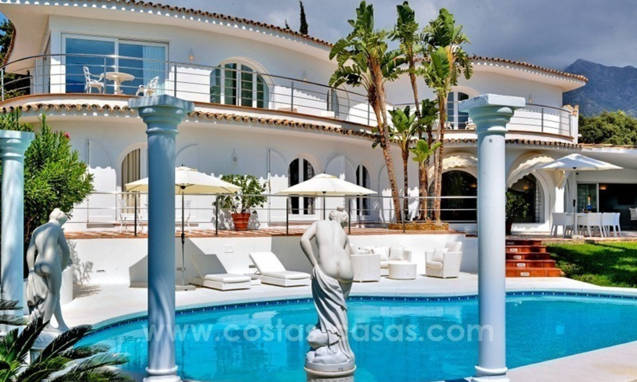 Stylish villa in perfect condition for sale on the Golden Mile, Marbella 1