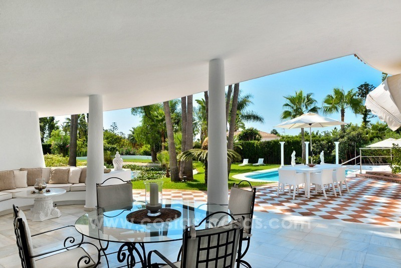 Stylish villa in perfect condition for sale on the Golden Mile, Marbella