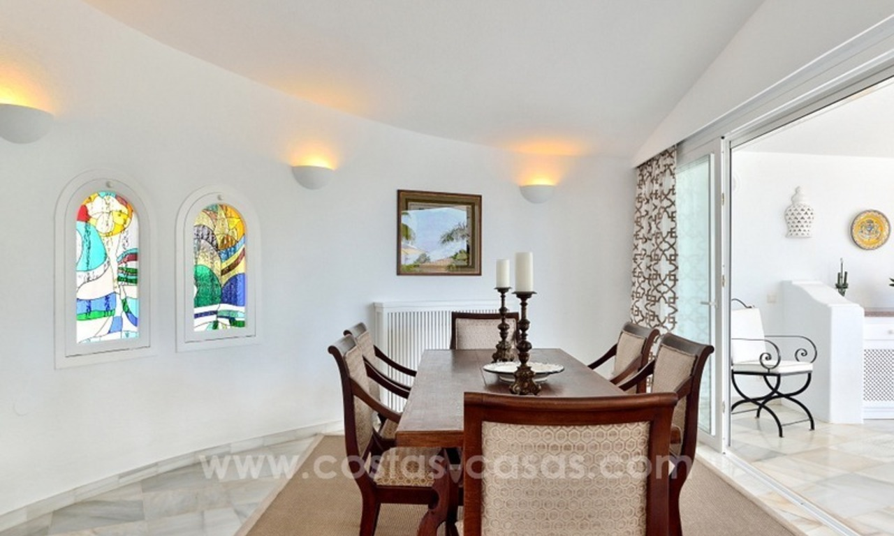 Stylish villa in perfect condition for sale on the Golden Mile, Marbella 5