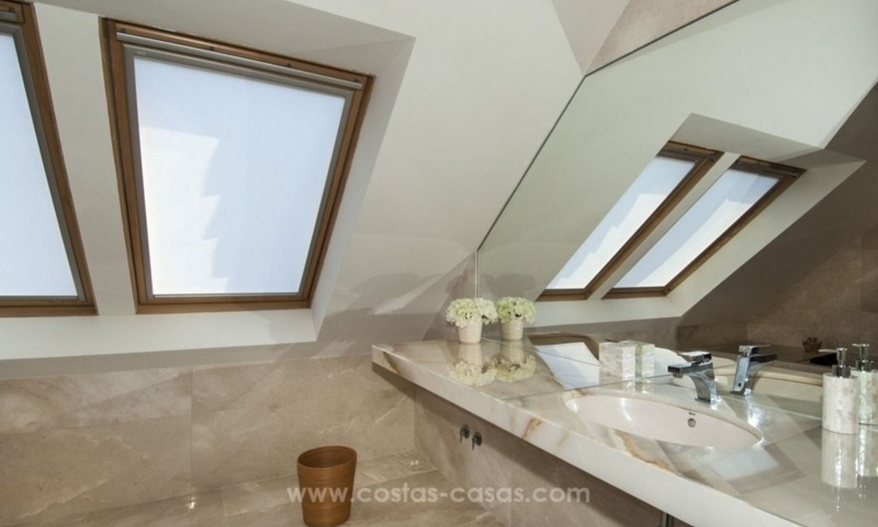 New frontline golf contemporary luxury villa for sale in East Marbella 38