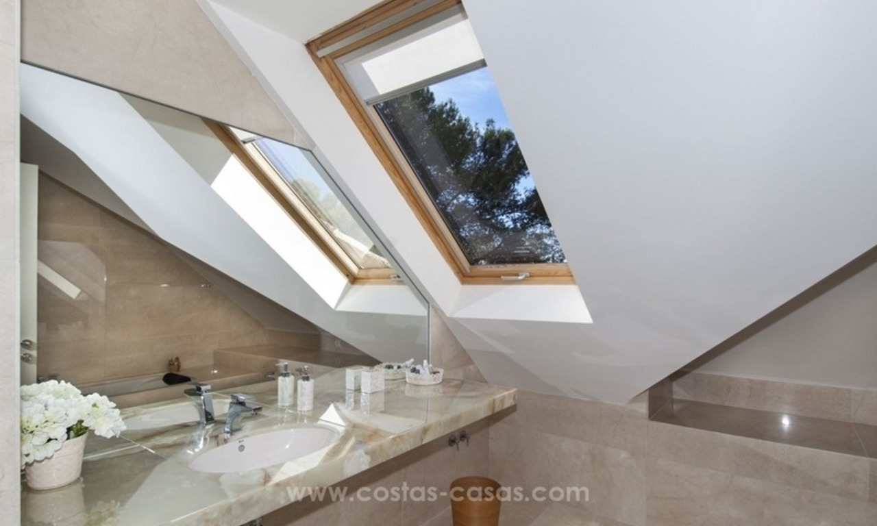New frontline golf contemporary luxury villa for sale in East Marbella 41