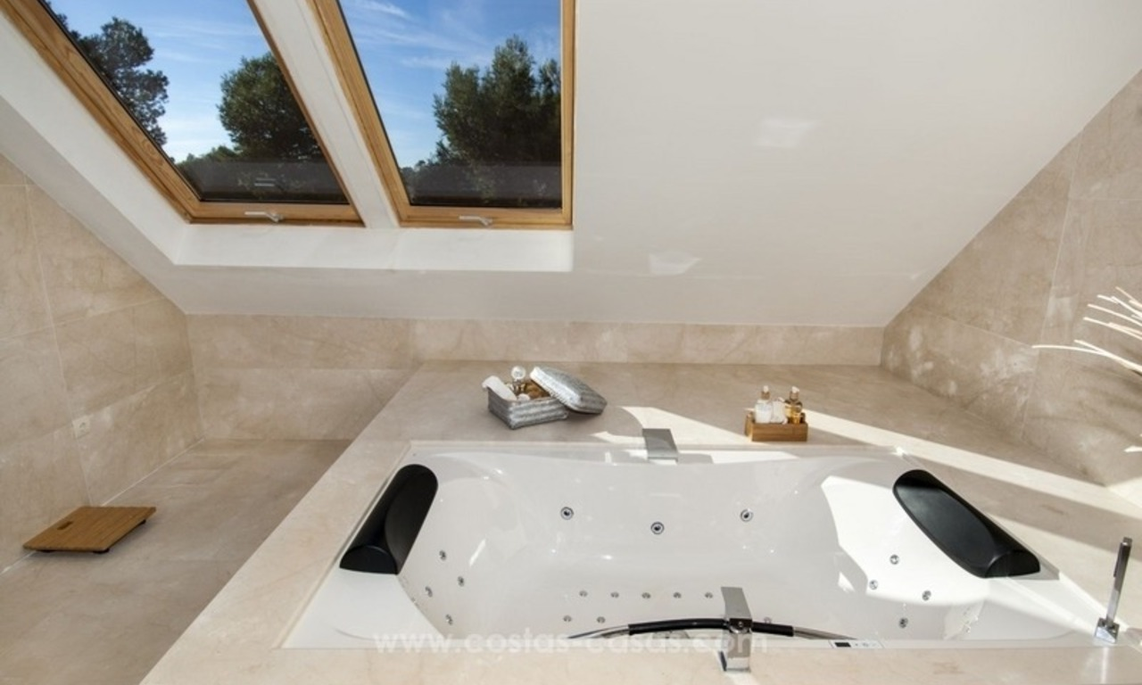 New frontline golf contemporary luxury villa for sale in East Marbella 33