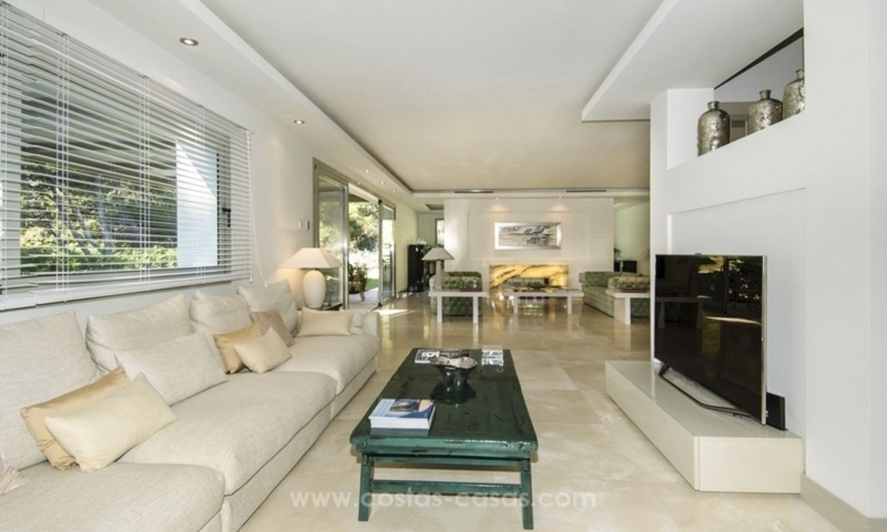 New frontline golf contemporary luxury villa for sale in East Marbella 19