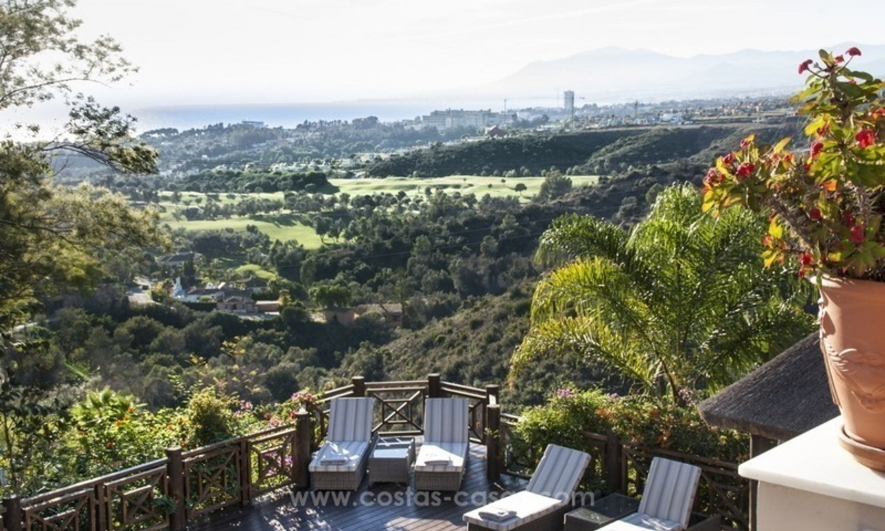Villa with sea views for sale in East Marbella 0