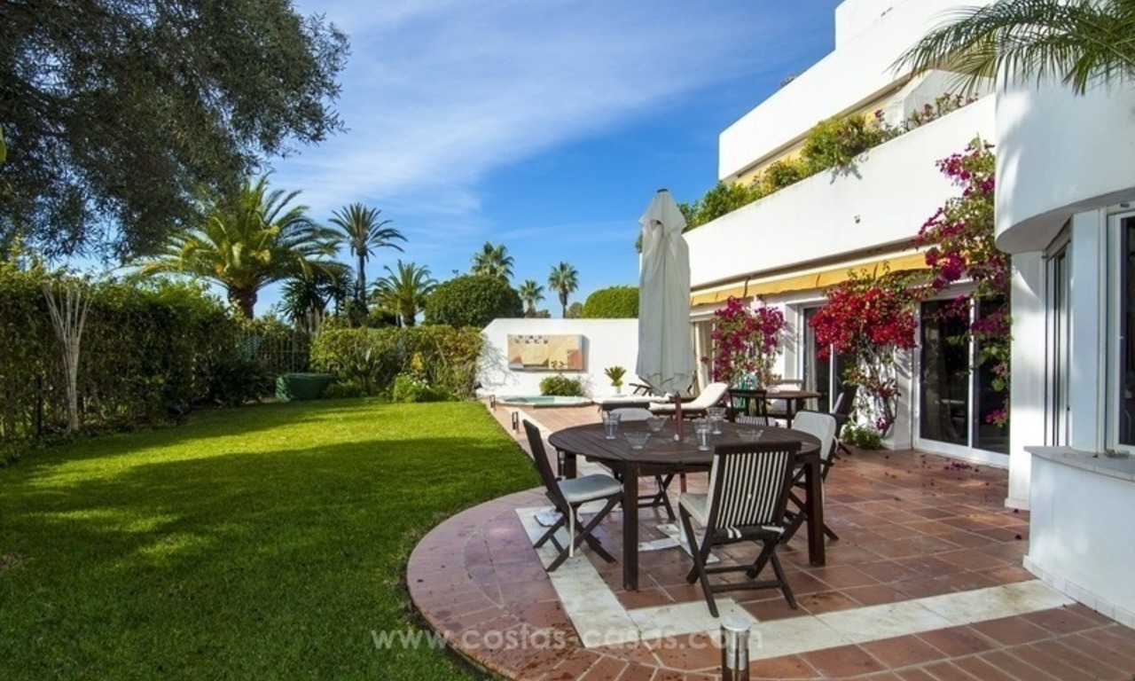 Spacious ground floor apartment for sale on The Golden Mile, Marbella 4