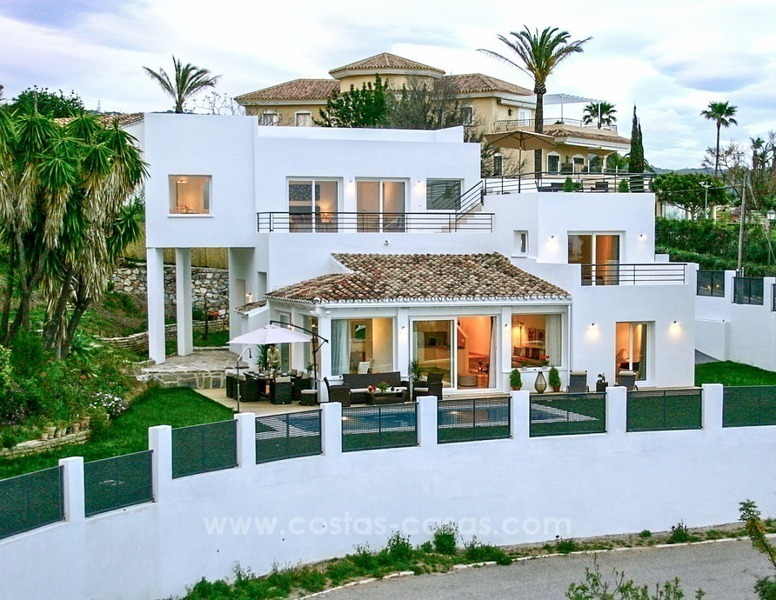 New modern contemporary villa with excellent panoramic sea views in Marbella 0