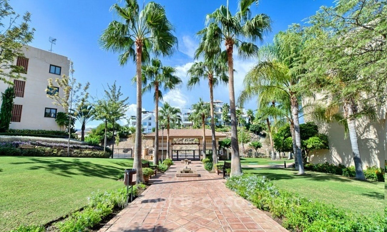 Luxury top floor apartment for sale in Benahavis, Marbella 20