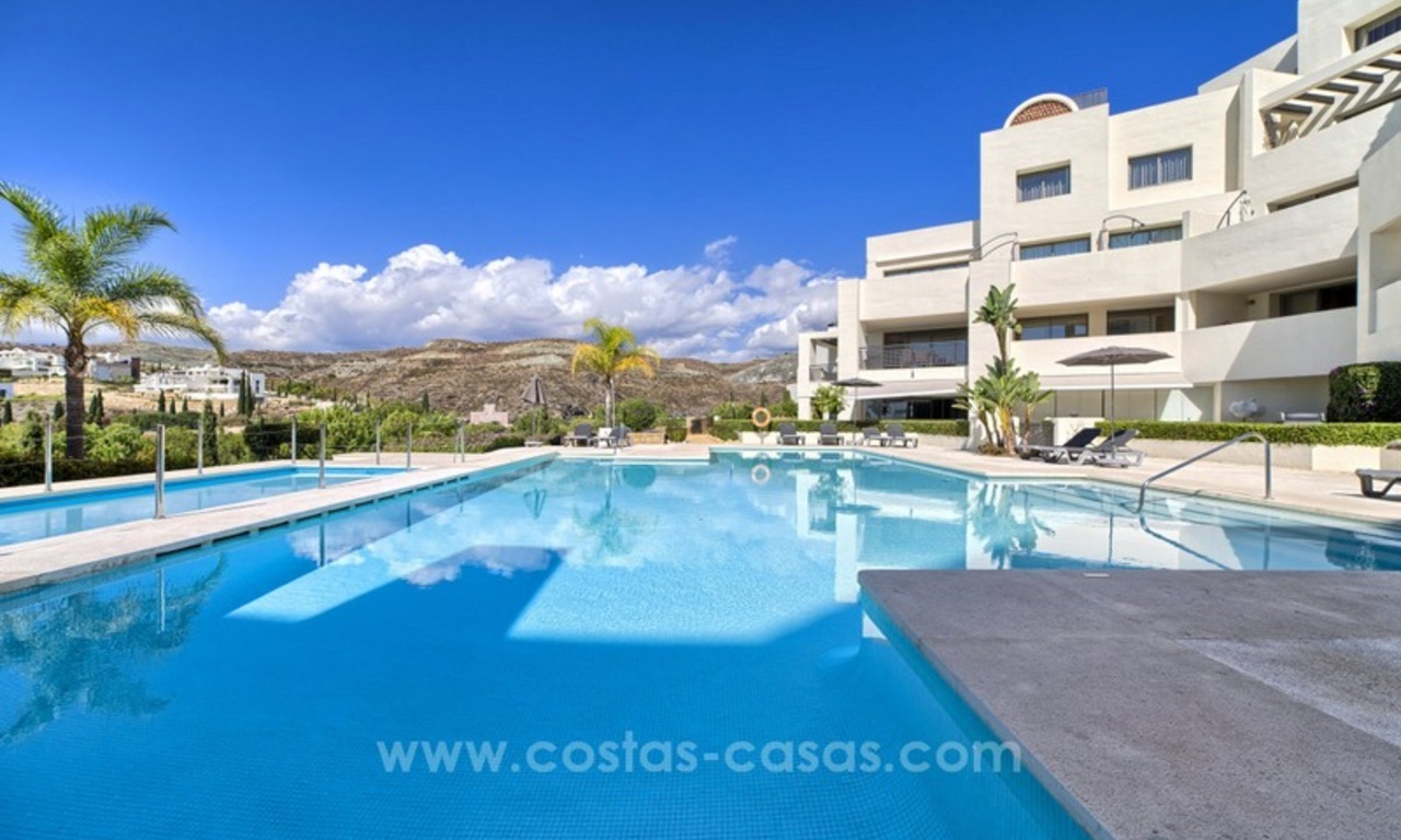 Modern luxury frontline golf ground floor apartment in a 5-star golf resort for sale in Benahavis - Marbella 15