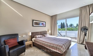 Apartment in a frontline beach complex for sale on the New Golden Mile, Estepona 17