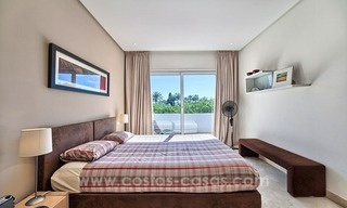 Apartment in a frontline beach complex for sale on the New Golden Mile, Estepona 18