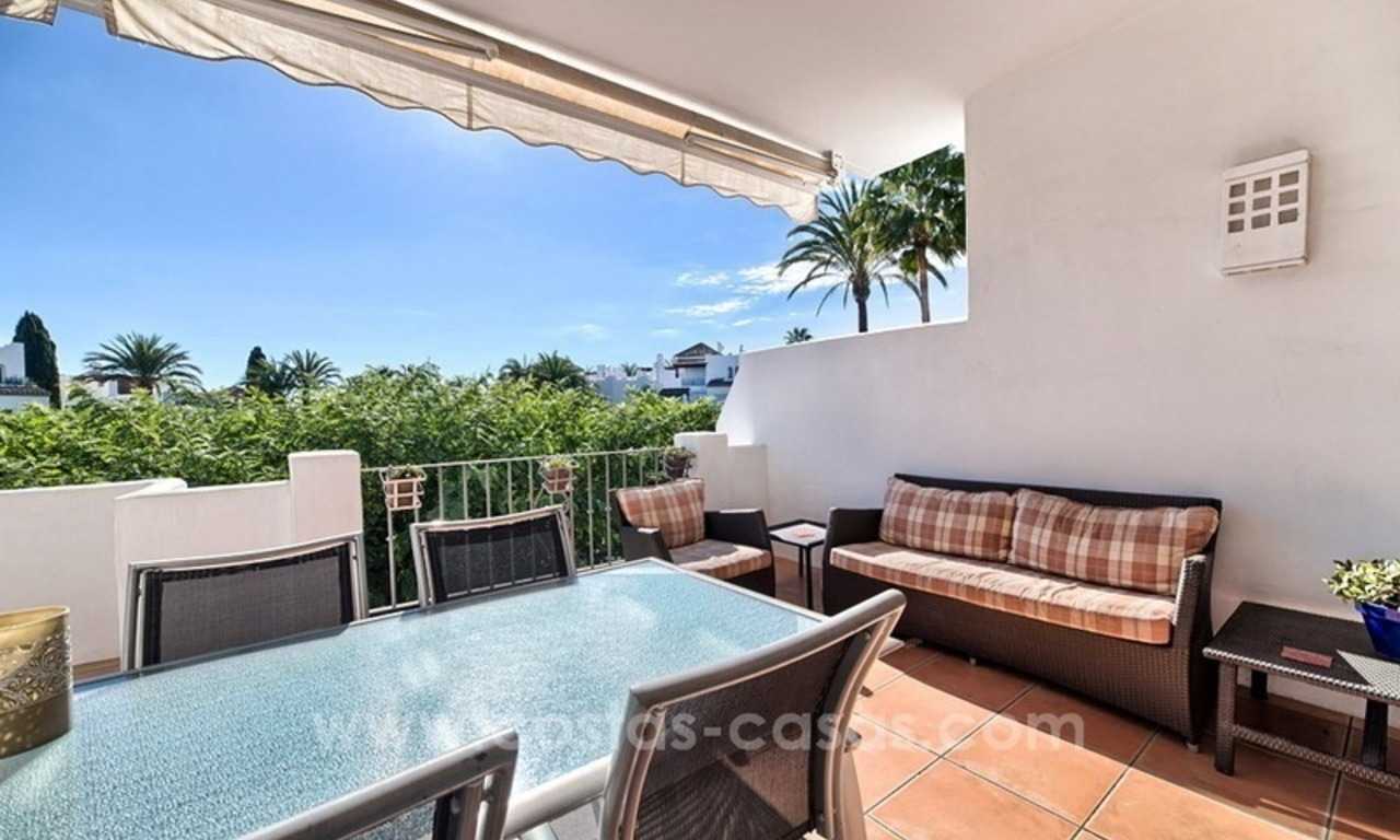 Apartment in a frontline beach complex for sale on the New Golden Mile, Estepona 4