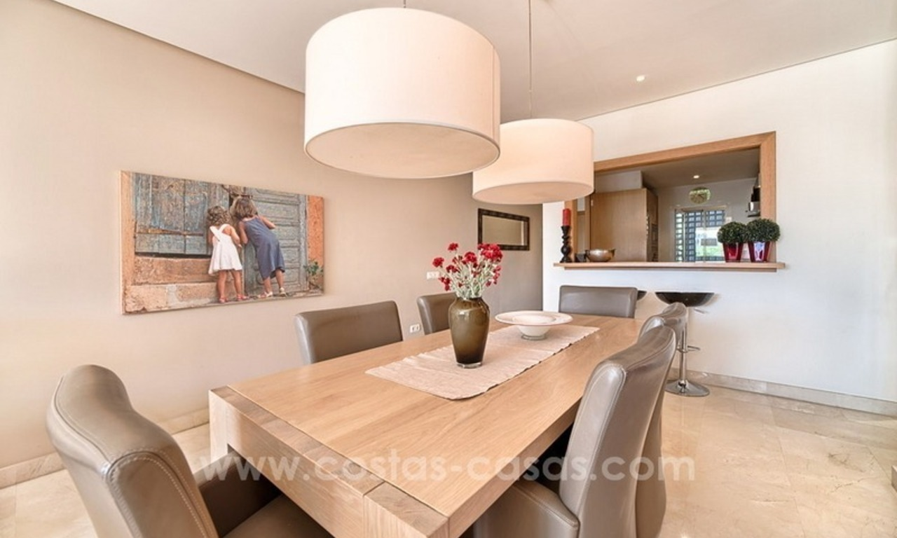 Apartment in a frontline beach complex for sale on the New Golden Mile, Estepona 12
