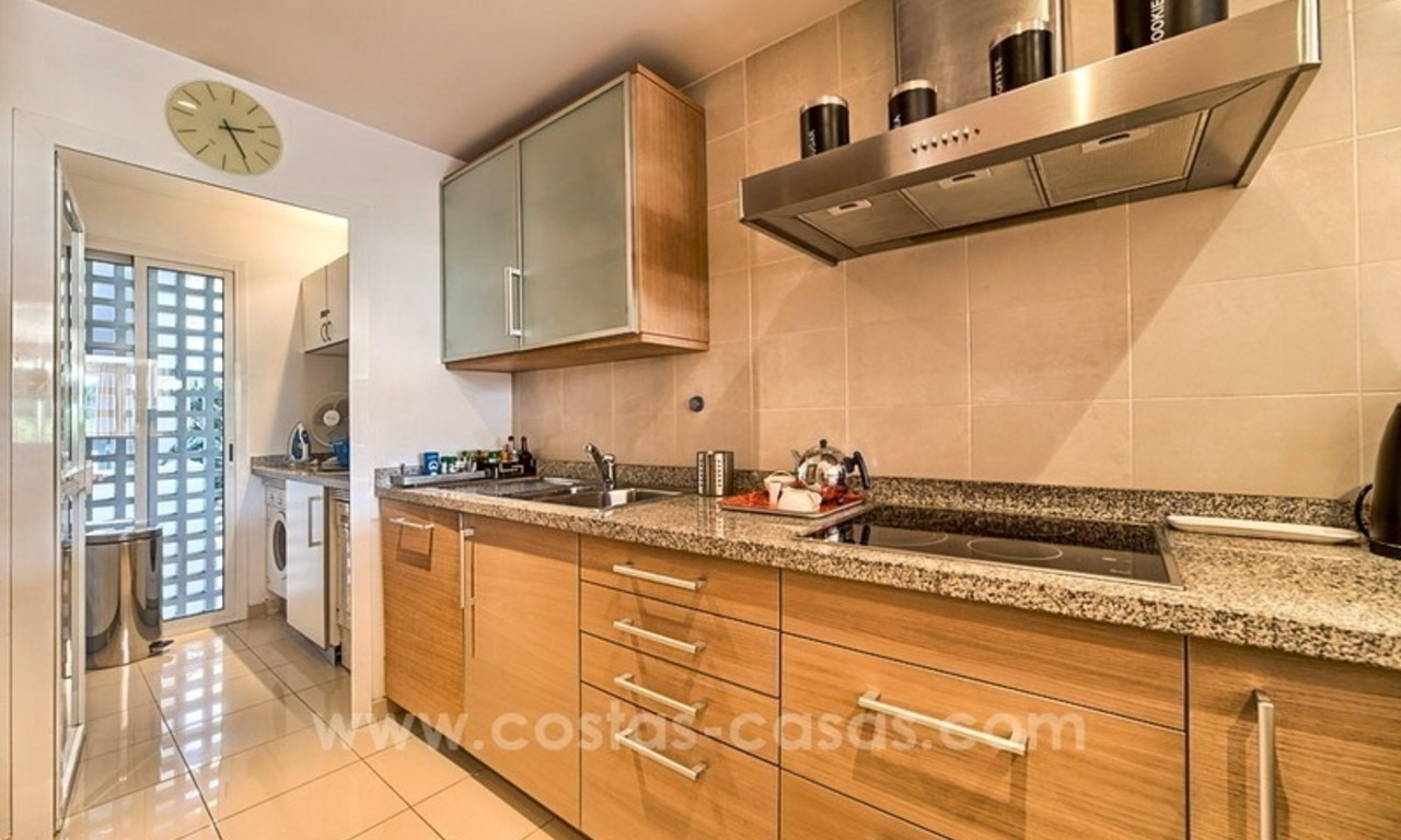 Apartment in a frontline beach complex for sale on the New Golden Mile, Estepona 14