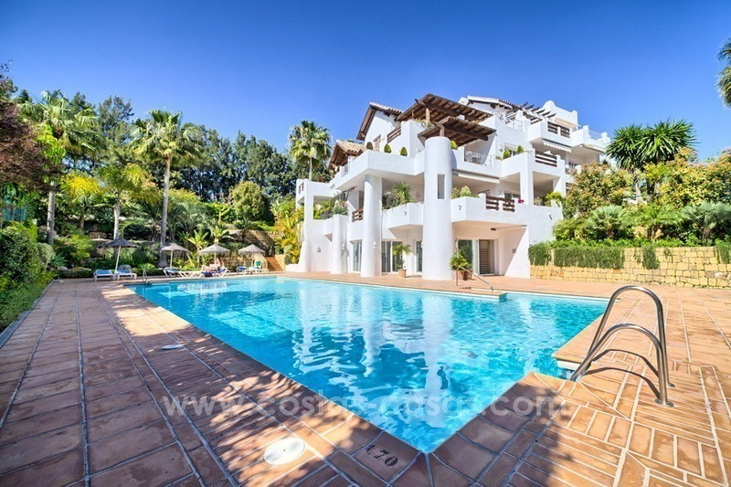 Apartment in a frontline beach complex for sale on the New Golden Mile, Estepona