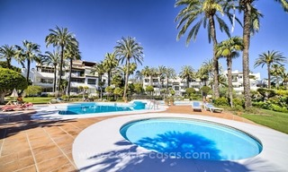 Apartment in a frontline beach complex for sale on the New Golden Mile, Estepona 1