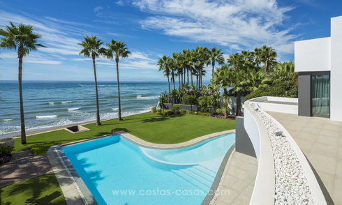 Modern Frontline beach villa for sale on the East of Marbella 14976