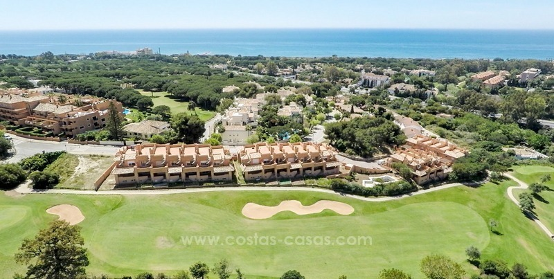 Bargain frontline golf townhouses for sale in Cabopino, Marbella