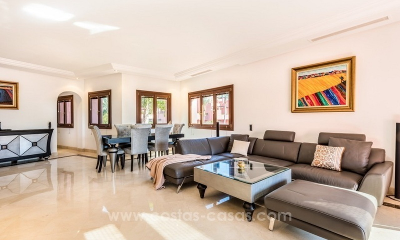Beautiful frontline beach penthouse for sale on the New Golden Mile, in Estepona - Marbella 6