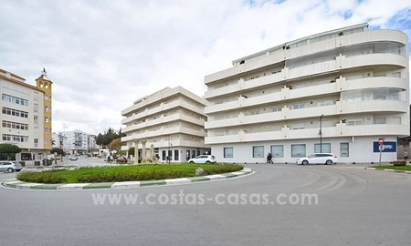 Modern beachfront apartment for sale, on the boulevard in the centre of Estepona 27
