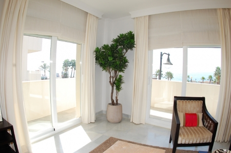 Modern beachfront apartment for sale, on the boulevard in the centre of Estepona 9