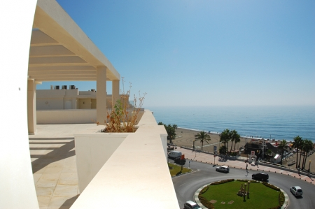 Modern beachfront apartment for sale, on the boulevard in the centre of Estepona 2