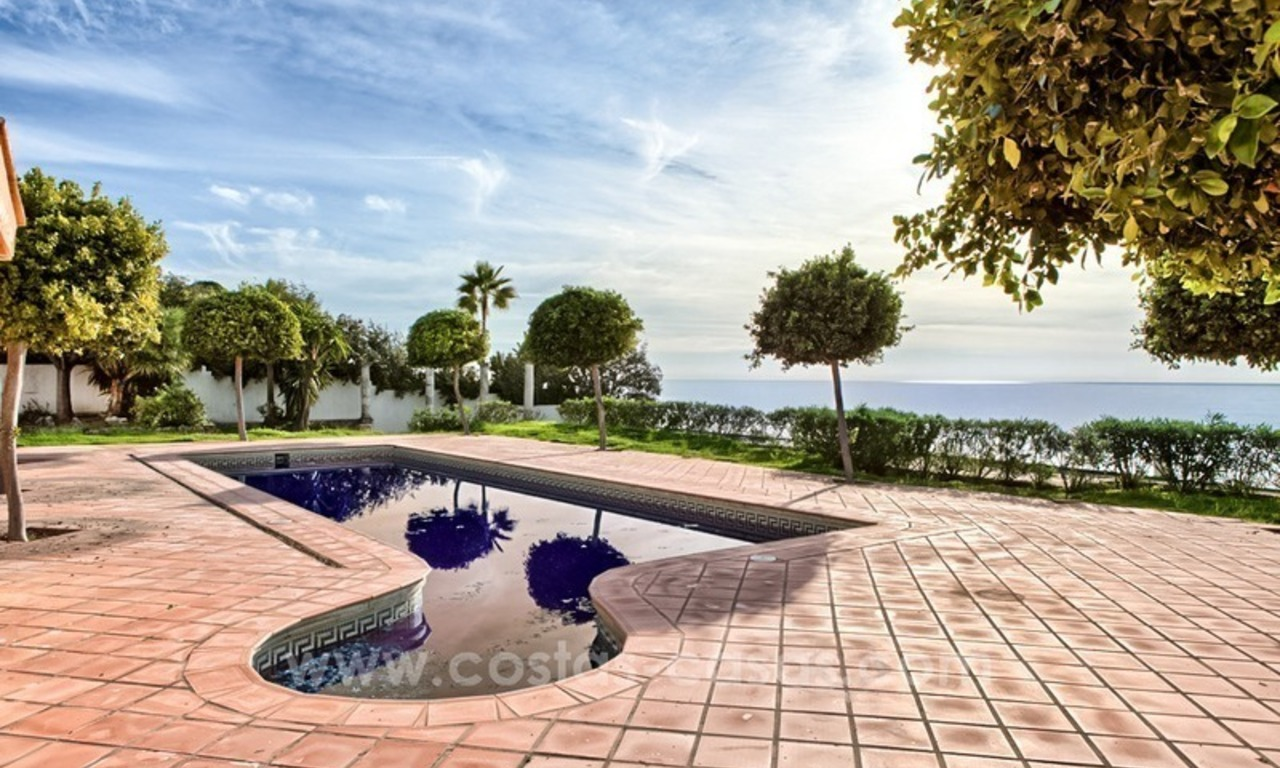 Beachfront plot with Villa Building Project for sale on the New Golden Mile, Marbella - Estepona 8