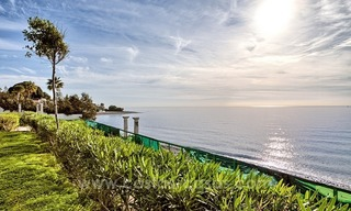 Beachfront plot with Villa Building Project for sale on the New Golden Mile, Marbella - Estepona 4
