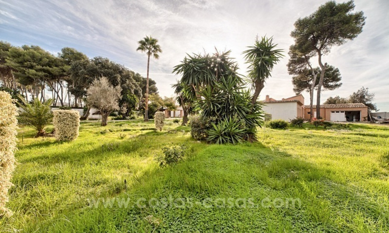 Beachfront plot with Villa Building Project for sale on the New Golden Mile, Marbella - Estepona 6