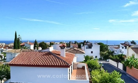 Cozy, partly renovated villa for sale in Marbella town 0