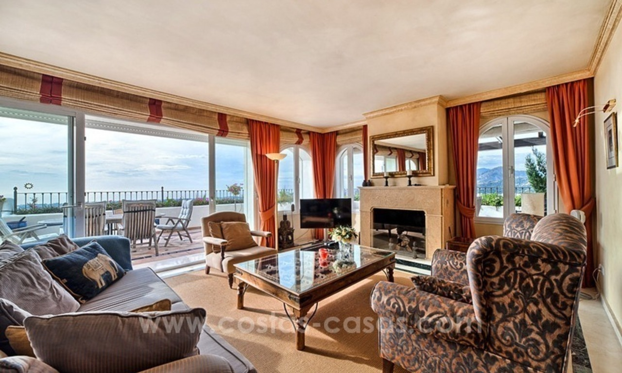 Top quality penthouse for sale in Benahavis - Marbella 6