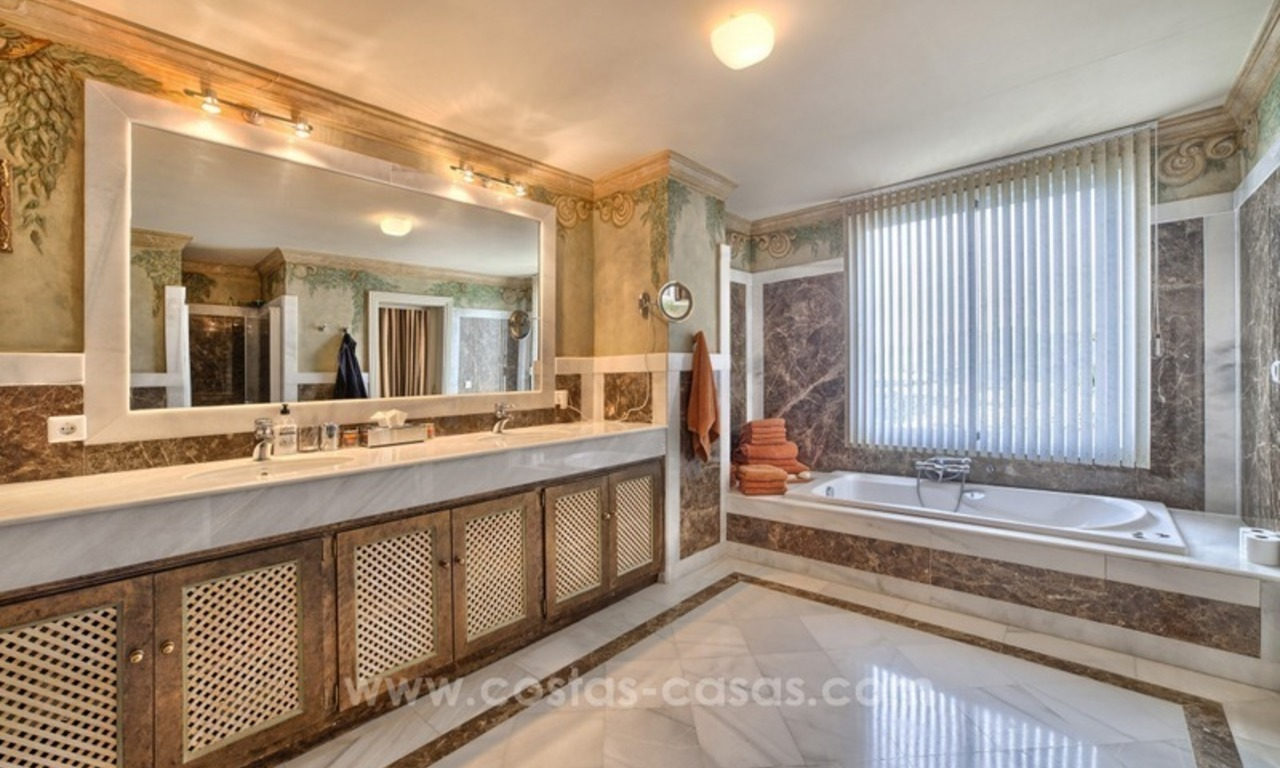 Top quality penthouse for sale in Benahavis - Marbella 14