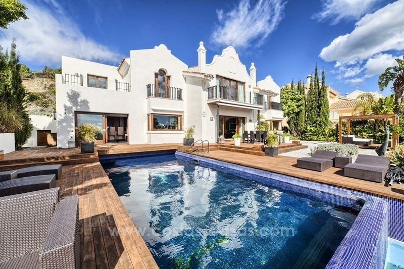Modern renovated frontline golf villa for sale in Benahavis - Marbella 1
