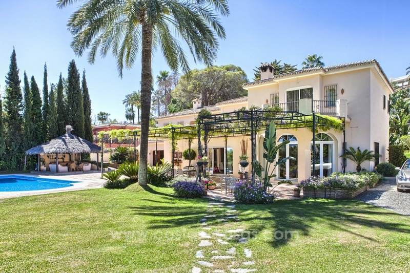 Exclusive frontline golf villa for sale, first line Golf, Nueva Andalucia, Marbella