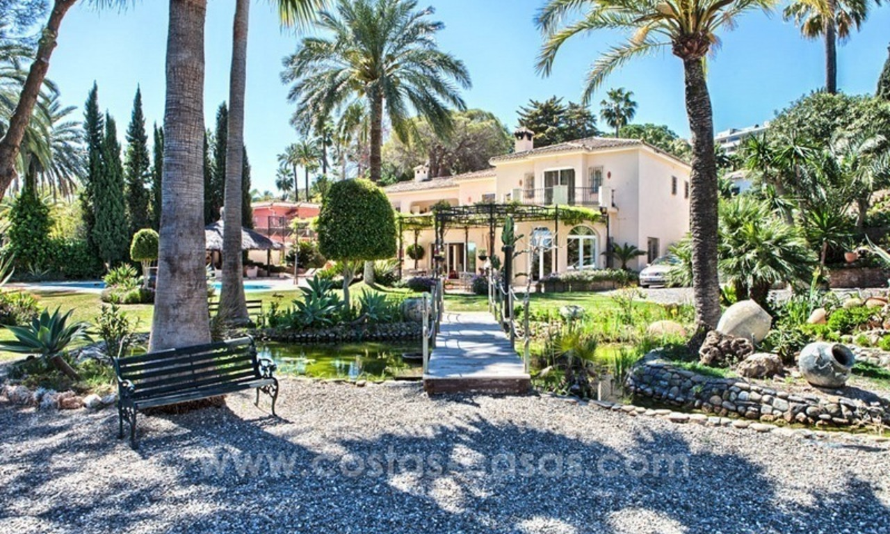 Exclusive frontline golf villa for sale, first line Golf, Nueva Andalucia, Marbella 1