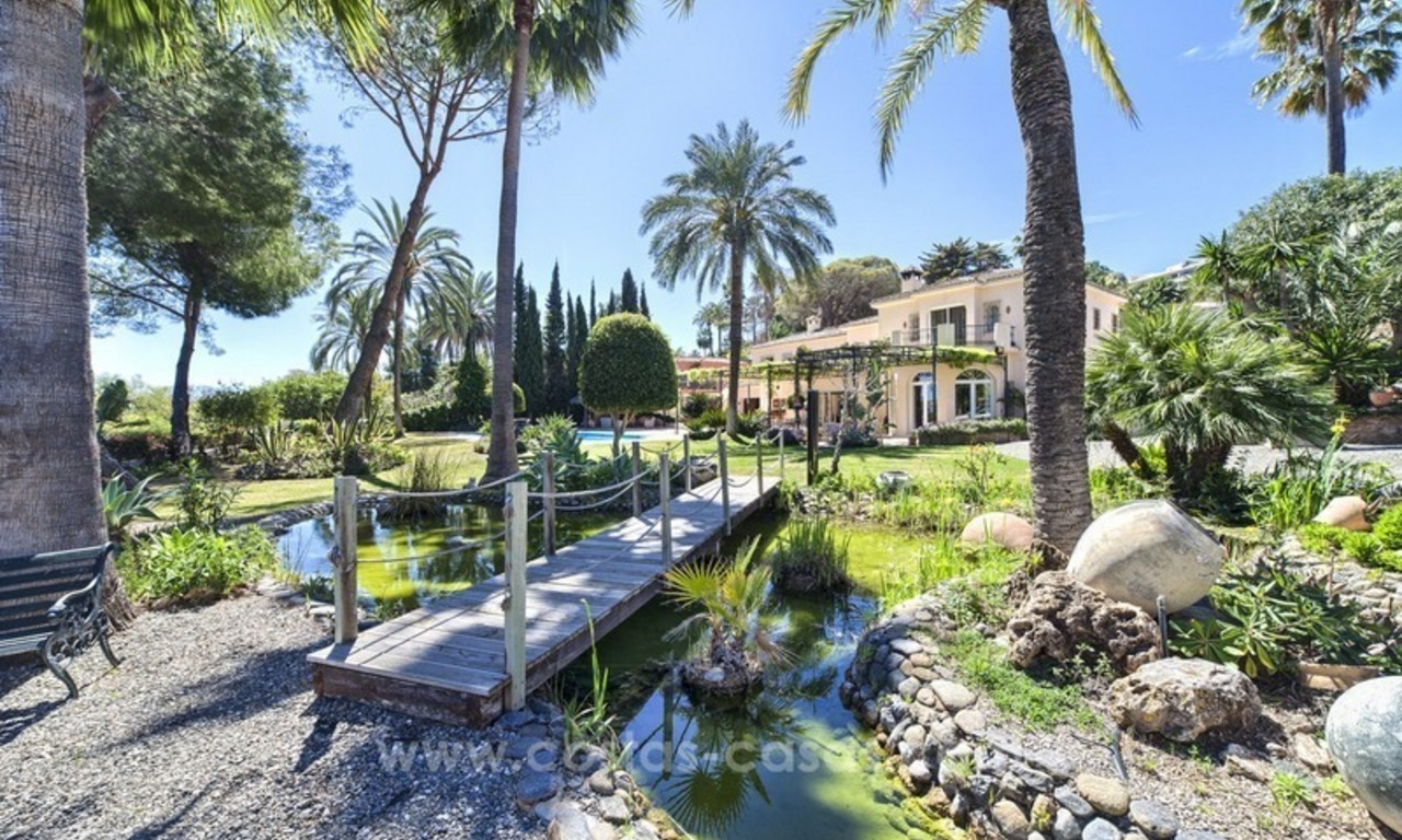 Exclusive frontline golf villa for sale, first line Golf, Nueva Andalucia, Marbella 2