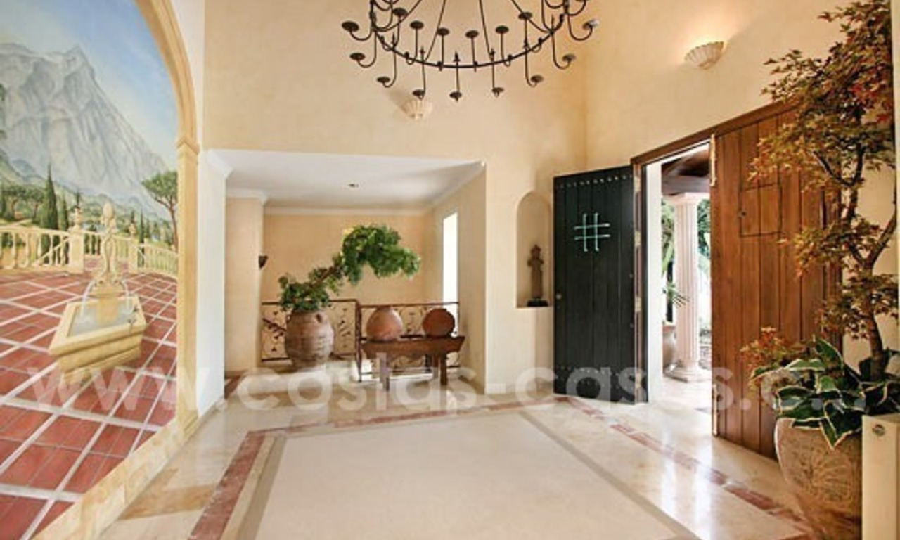 Exclusive frontline golf villa for sale, first line Golf, Nueva Andalucia, Marbella 9