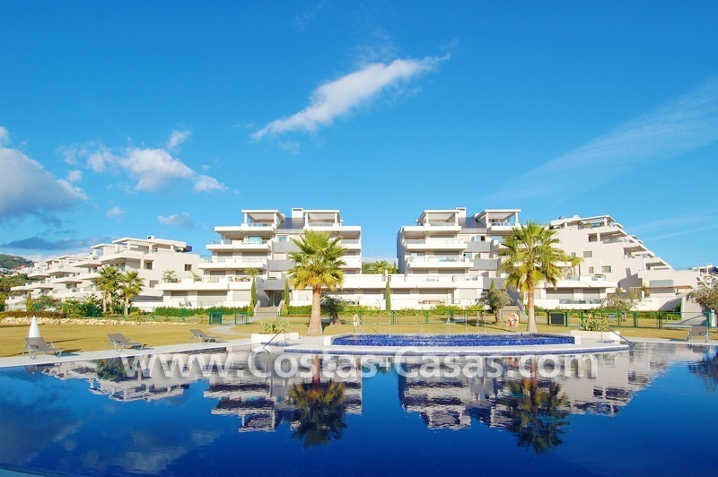 For Sale in the Marbella - Benahavís Area: Large Modern, Luxury Golf Apartment