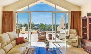 Large frontline golf villa for sale in Nueva Andalucía, Marbella 10