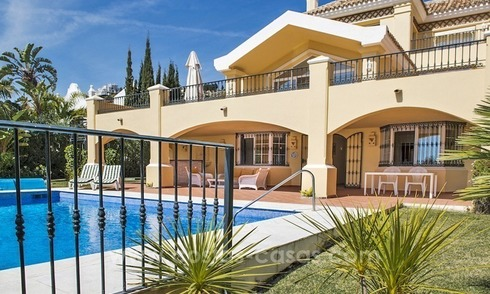 Large frontline golf villa for sale in Nueva Andalucía, Marbella