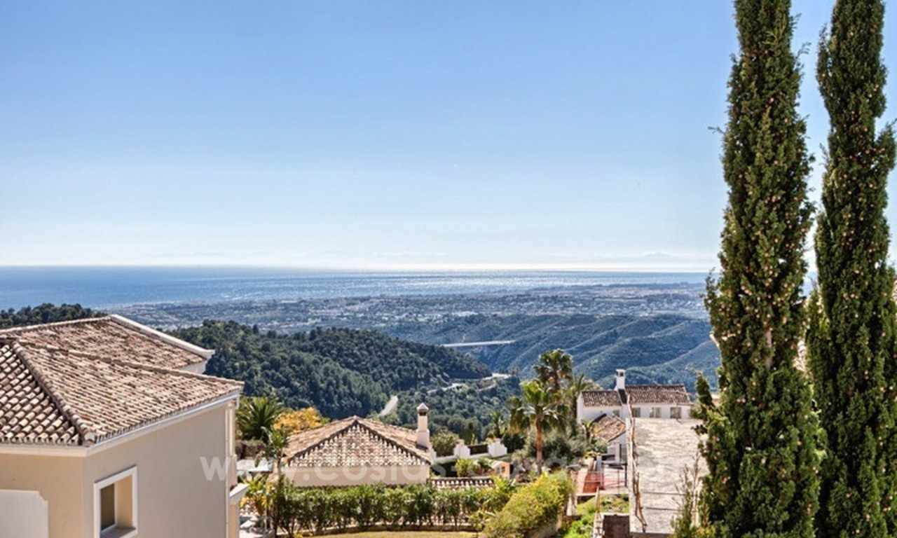 Luxury villa with amazing views for sale above the Golden Mile, Marbella 13